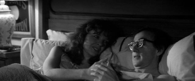 1979 manhattan woody allen diane keaton bed