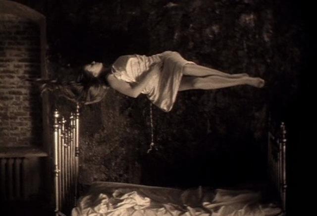 the mirror andrei tarkovsky levitating girl
