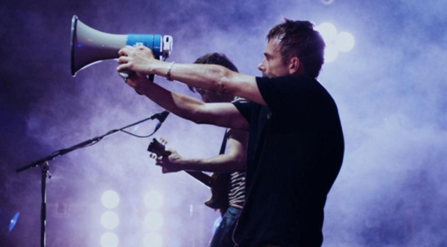 no distance left to run film damon albarn blur live