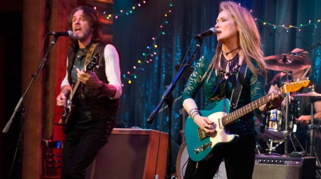 ricki and the flash jonathan demme meryl streep and meryl streep's daughter guitar band