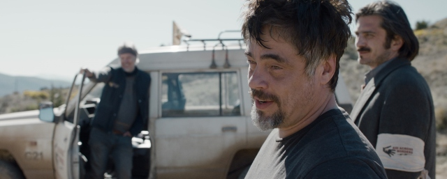 a perfect day Benicio Del Toro, Tim Robbins, Olga Kurylenko 2